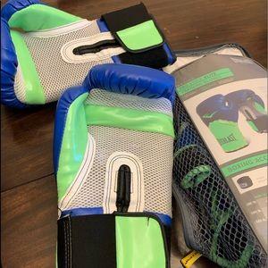 Everlast boxing gloves 12 OZ.